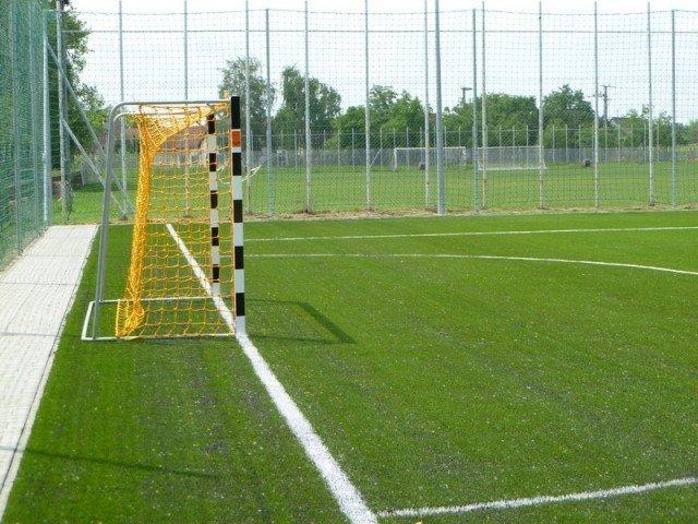 trava-footbol-1z